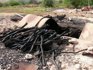 maio-local-charcoal-making