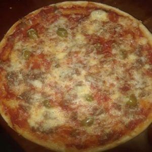 freshly made pizzas in the cafe at casablanca mini-mercado good prices