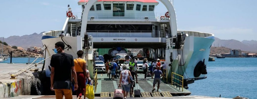 cv interilhas, a maritime transport concessionaire in cape verde, led by the portuguese group ete, will reinforce the fleet with two ships this year, one of which starts operations in May with an investment of four million euros.